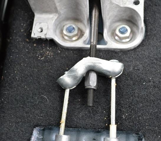 Регулировка троса ручного тормоза vw polo Замена заднего рычага bmw e87